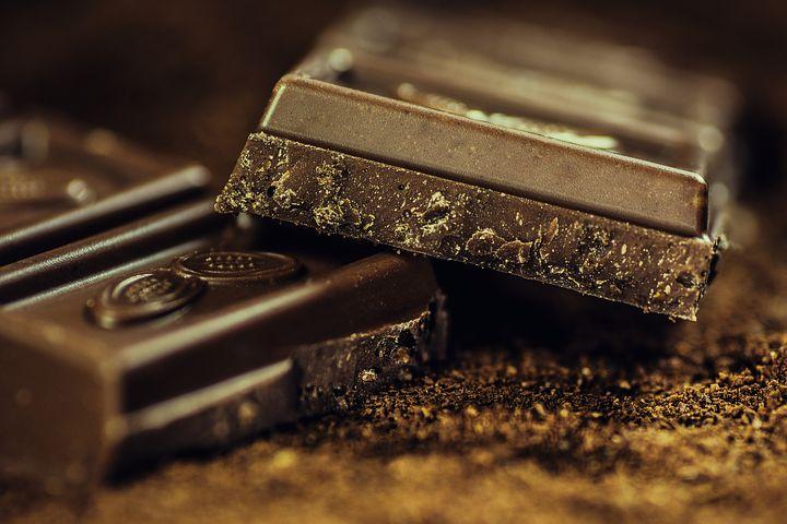 Allt om dating - Fabrikstillverkning av chokladkakor och praliner började 1872 i Sverige i form av en av Cloetta ångchokladfabrik.